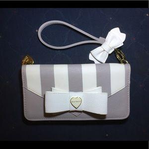 BETSY JOHNSON   Bow Striped Wristlet Wallet